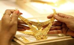 Gold jumps Rs 332 on positive global trend- India TV Paisa