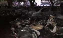 दिल्ली के मानसरोवर पार्क के DDA पार्किंग में लगी आग, कई कारें और टू-वीलर जलकर खाक- India TV Paisa