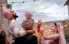 Bollywood wishes Anushka-Virat happy married life - Khabar IndiaTV