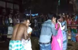Jharkhand-Kissing-contest- Khabar IndiaTV