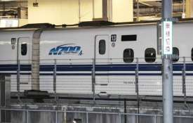 Crack found in bullet train in 1st serious incident for...- Khabar IndiaTV