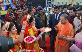 Yogi-Adityanath-Holi-celebration-in-Mathura-and-Barsana- Khabar IndiaTV