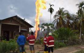 <p>Indonesia oil well fire kills 15...- Khabar IndiaTV