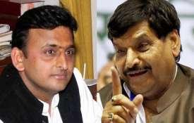 Akhilesh yadav and Shivpal Yadav- Khabar IndiaTV
