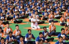 Prime Minister Narendra Modi performs yoga- Khabar IndiaTV
