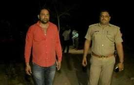 Noida Police nab 3 criminals after high-speed...- Khabar IndiaTV