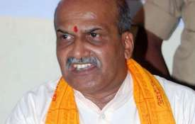 Muthalik controversial remarks on the Gauri...- Khabar IndiaTV
