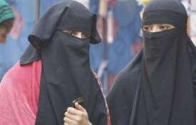 उत्तर प्रदेश: बरेली जामा मस्जिद के इमाम ने तीन तालक पीड़िता निदा खान के खिलाफ फतवा जारी किया- Khabar IndiaTV