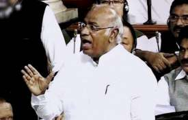 Lok Sabha: Congress leader Mallikarjun Kharge alleges 'surveillance' by an official | PTI File- Khabar IndiaTV