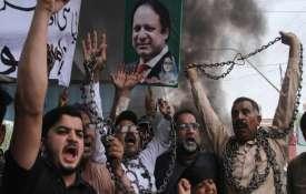 नवाज़ शरीफ की गिरप्तारी के बाद पाकिस्तान में बड़े पैमाने पर हिंसा- Khabar IndiaTV