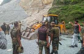 seven killed after landslide hit Sehar Baba waterfall...- Khabar IndiaTV