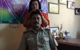 SHO attached to line over getting heal by a sadhvi- Khabar IndiaTV