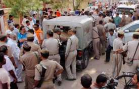 मथुरा में फिजियोथेरेपिस्ट की चाकू गोद कर हत्या, पैदल ही हो गया फरार- Khabar IndiaTV