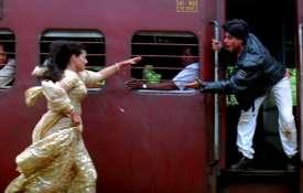 Kajol and Shah Rukh Khan in Dilwale Dulhania Le Jayenge- Khabar IndiaTV