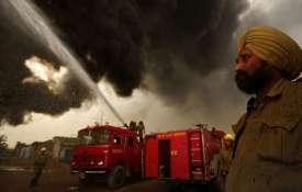 दिल्ली के पहाड़गंज में एक प्लास्टिक गोदाम में लगी आग- Khabar IndiaTV