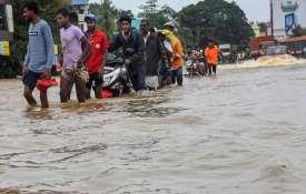 केरल की विनाशलीला में जिंदगी की जंग, जान बचाई, अब जिंदगी संवारने की बारी- Khabar IndiaTV