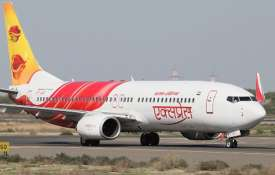 भारतीय पायलट ने किया कमाल, खराब मौसम और ईंधन खत्म होने के बाद भी, बचा ली 370 जान- India TV