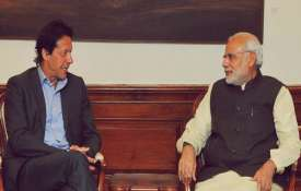 पाक पीएम इमरान खान ने पीएम मोदी को लिखी चिट्ठी, फिर से शांति वार्ता शुरू करवाने की अपील- India TV