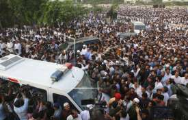 Pakistan: Thousands attend funeral prayers of Nawaz Sharif wife Kulsoom Nawaz in Lahore | AP- India TV