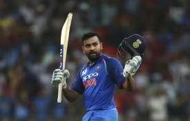 INDvPAK: पाकिस्तान को पटखने के बाद रोहित शर्मा ने इन्हें दिया जीत का श्रेय, जानिए क्या बोले पाक कप्त- India TV