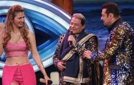 अनूप जलोटा- जसलीन- India TV