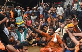 Sabarimala row: Protests over entry of women continue, tension prevails in Pamba, Nilakkal- India TV