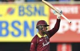 हेटमायर ने की भारतीय गेंदबाजों की धुनाई- India TV