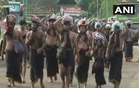 सबरीमला मुद्दे पर आदिवासियों का आरोप-सरकार हमारे सदियों पुराने रीति-रिवाज खत्म कर रही- India TV