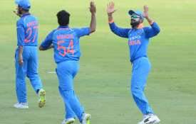 Shardul Thakur celebrates with Virat Kohli- India TV