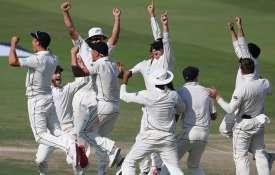 Pakistan vs New Zealand: सांसे रोक देने वाले मुकाबले में 4 रन से हारा पाकिस्तान- India TV