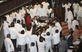 Sri Lankan Lawmakers surround speaker Kaku...- India TV