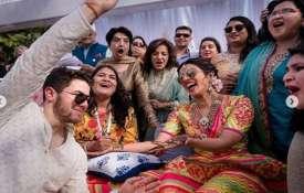 प्रियंका चोपड़ा और...- India TV