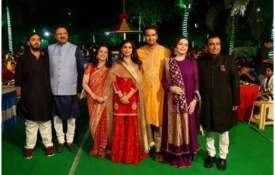 <p>isha...- India TV
