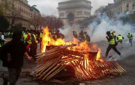 French President Emmanuel Macron to hold crisis meeting following Paris riots | AP- India TV