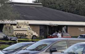 Florida Bank Shooting: Five people killed, shooter surrenders to SWAT team- India TV Paisa