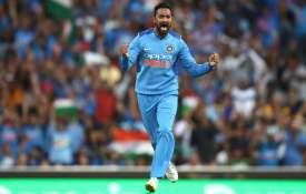 ICU में भर्ती पू्र्व भारतीय क्रिकेटर के लिए क्रुणाल पांड्या ने भेजा ब्लैंक चेक, कही दिल जीतने वाली ब- India TV