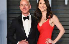 jeff bezos and wife- India TV