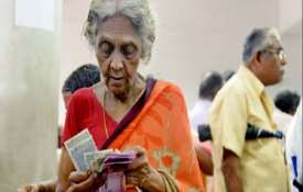 पेंशन आवेदकों को अब नहीं खाने होंगे धक्के, सरकार हर जिले में लगाएगी शिविर | PTI File- India TV