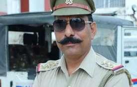 शहीद इंस्पेक्टर सुबोध कुमार के परिजनों की मदद को आगे आई UP पुलिस, दिये 70 लाख रुपये- India TV Paisa