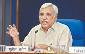 India is not going back to ballot papers, says CEC Sunil Arora on EVM hacking row | PTI File- India TV
