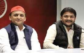 akhilesh yadav and hardik patel- India TV