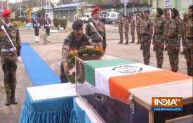 Army pays tribute to martyr Major Bisht,...- India TV