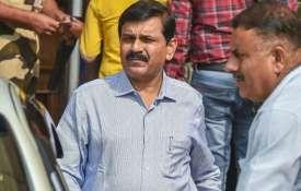अवमानना मामले में नागेश्वर राव को 1 लाख का जुर्माना, कार्यवाही चलने तक कोर्ट में पीछे बैठे रहने की स- India TV