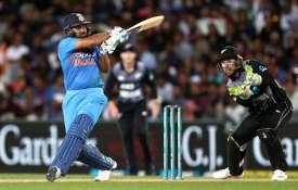 टी20 इंटरनेशनल क्रिकेट में सबसे आगे निकले रोहित शर्मा, लगा डालीं रिकॉर्ड की झड़ियां- India TV