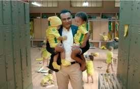 वीरू पाजी मुझे दिखा रहे हैं कि क्रिकेट और बेबीसिटिंग में बेहतर कैसे बनें: ऋषभ पंत- India TV