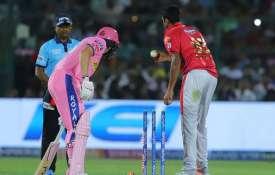 IPL 2019: आईपीएल इतिहास में पहली बार इस अनोखे तरीके से हुए जोस बटलर, शुरू हुआ विवाद- India TV