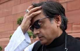 पुलवामा हमले के समय तक माहौल कांग्रेस के पक्ष में था, शशि थरूर का दावा- India TV