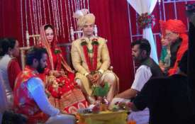 Ssharad Malhotra ties the knot with Ripci Bhatia- India TV