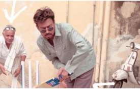 <p>Irrfan khan playing...- India TV