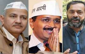 Non bailable warrants against Arvind Kejriwal, Manish Sisodia and Yogendra Yadav- India TV